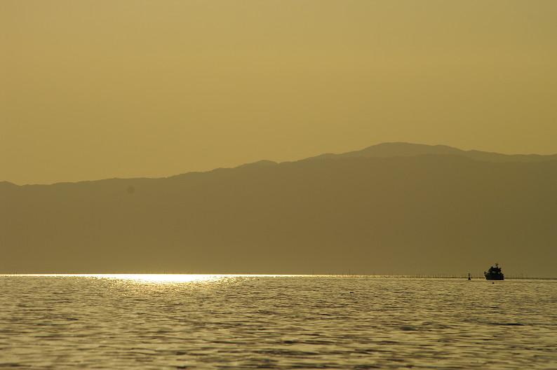 湖北の夕陽..._f0152550_2243276.jpg