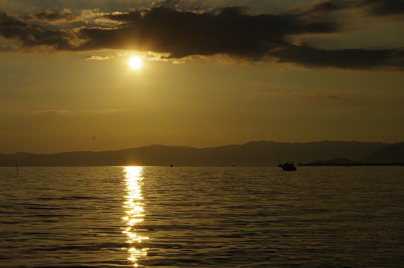 湖北の夕陽..._f0152550_22433212.jpg