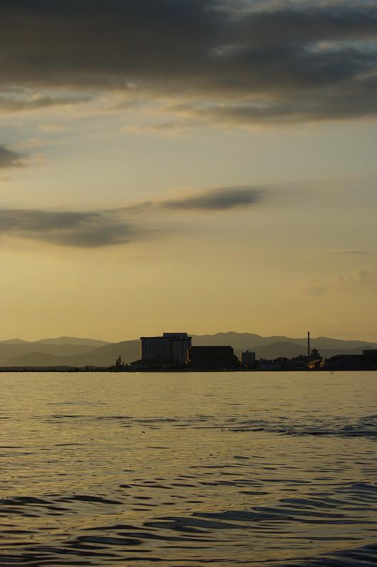 湖北の夕陽..._f0152550_22433790.jpg