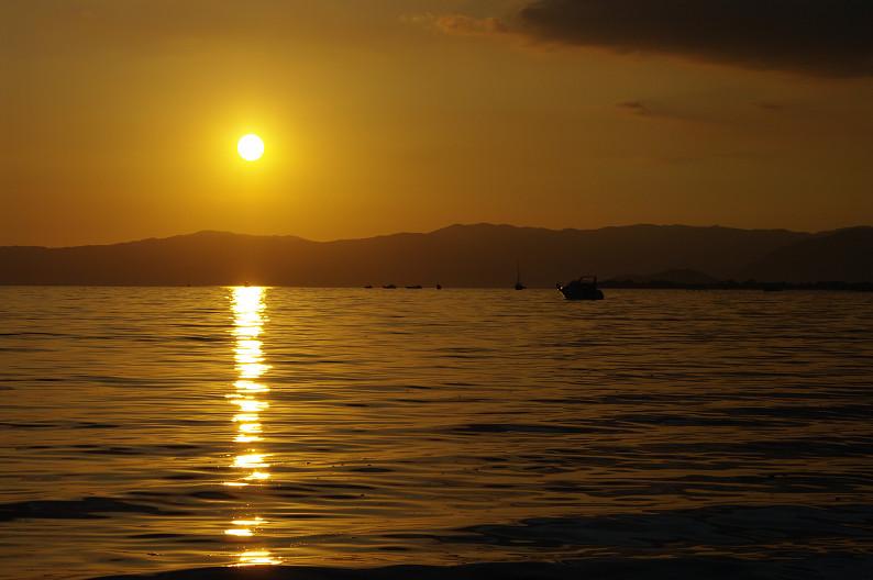 湖北の夕陽..._f0152550_22434692.jpg