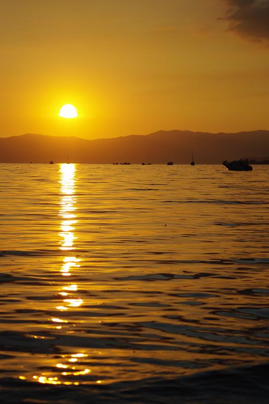 湖北の夕陽..._f0152550_2243512.jpg