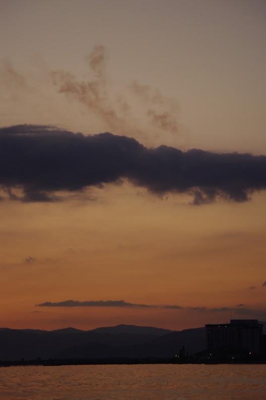湖北の夕陽..._f0152550_22441289.jpg