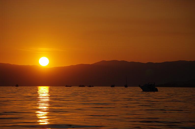 湖北の夕陽..._f0152550_224428.jpg