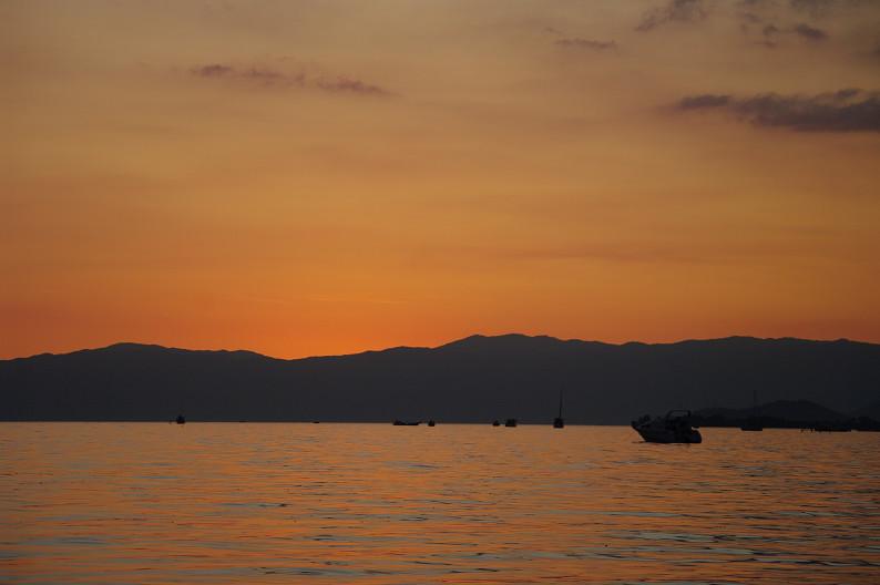 湖北の夕陽..._f0152550_2244783.jpg
