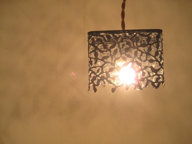 壁のブローチたち。_e0185385_9493830.jpg