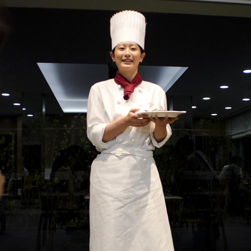 技能五輪全国大会西洋料理職種金賞_f0099102_08837.jpg
