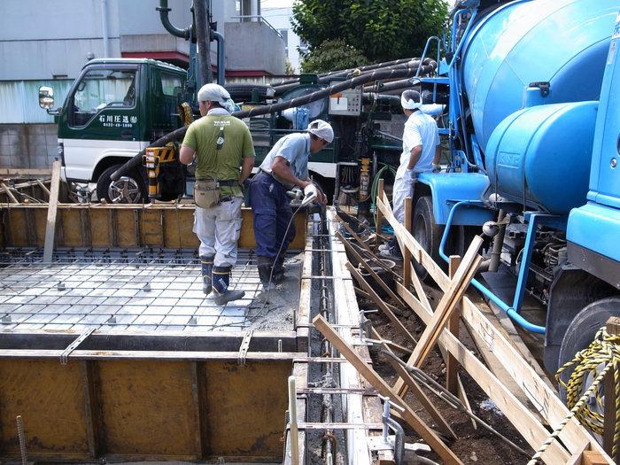 コンクリート打設_f0223603_1793810.jpg