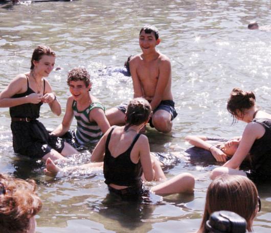 今年はワシントン・スクエアの噴水で水遊びする大人が増えた気がします_b0007805_12123413.jpg
