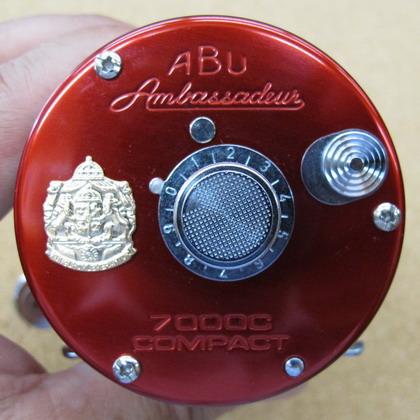 Abu 7000C Compact Red/Chrome NEW  入荷_a0153216_1336029.jpg