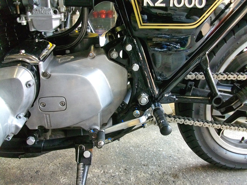 Z1000MKⅡ バックステップ製作が完成!!_c0086965_1927459.jpg