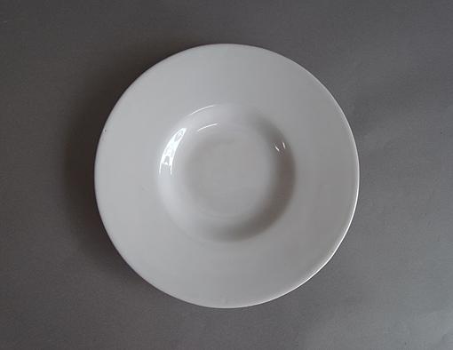 白釉の台皿_e0111789_11392676.jpg