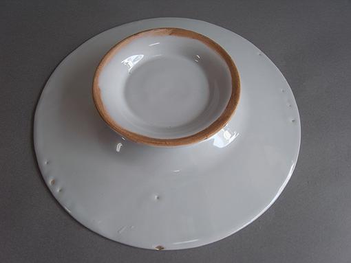 白釉の台皿_e0111789_1140249.jpg