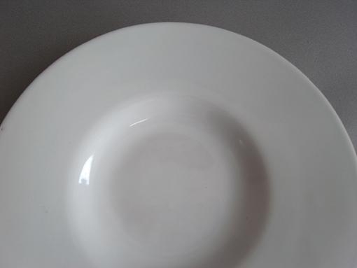 白釉の台皿_e0111789_11404022.jpg