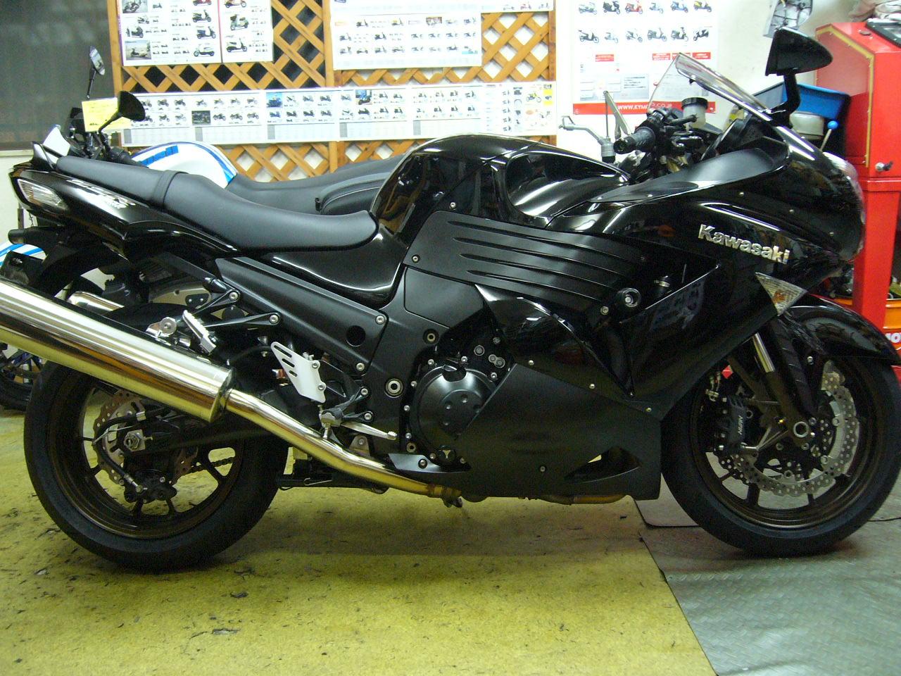 ZZ-R1400&ninja400R_b0133403_1027412.jpg