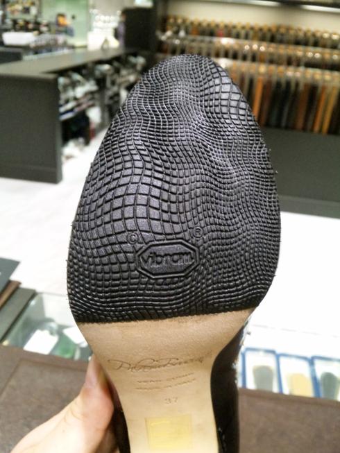 婦人靴も修理してます!!_b0226322_11195713.jpg
