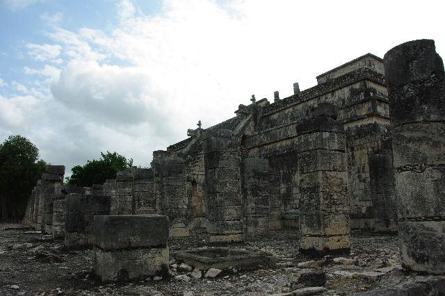 新チチェン・イツァ (4)  『千本柱の神殿』の戦士の神殿 _c0011649_0304687.jpg