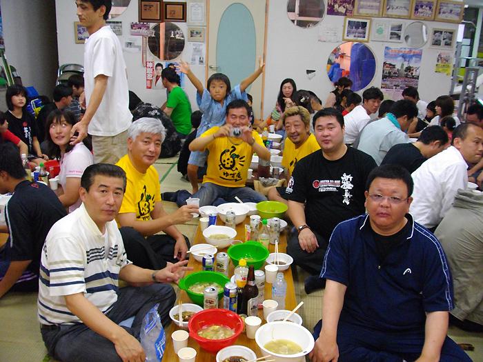 月例「水炊き会」に親友 中谷元衆議院議員も出席_c0186691_14132662.jpg