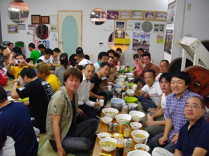 月例「水炊き会」に親友 中谷元衆議院議員も出席_c0186691_14133257.jpg