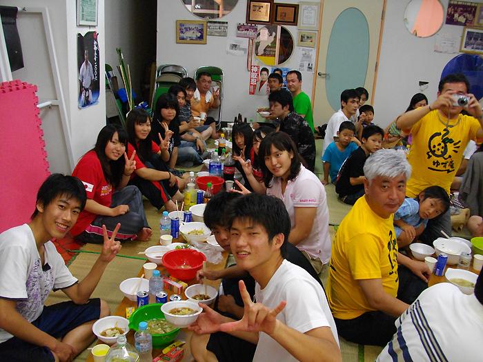 月例「水炊き会」に親友 中谷元衆議院議員も出席_c0186691_14134092.jpg