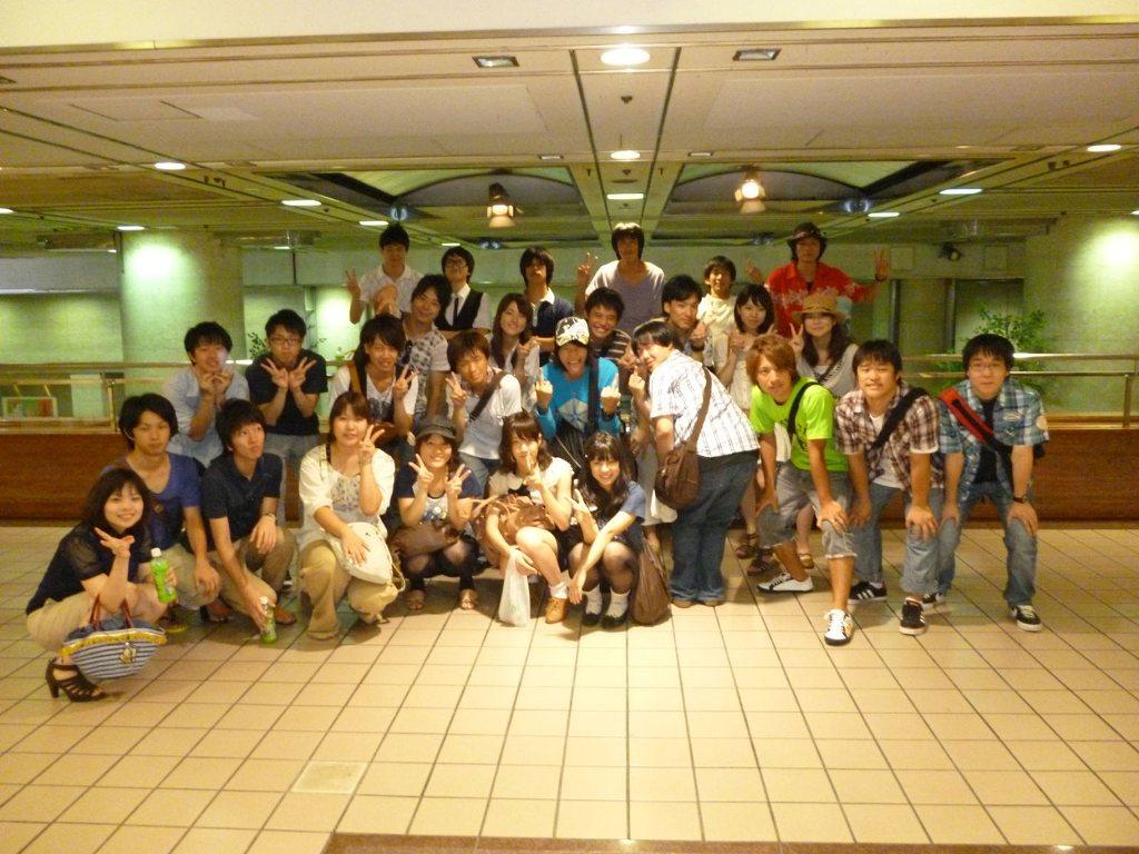 学生集合パンチラ f0137399_1822135.jpg