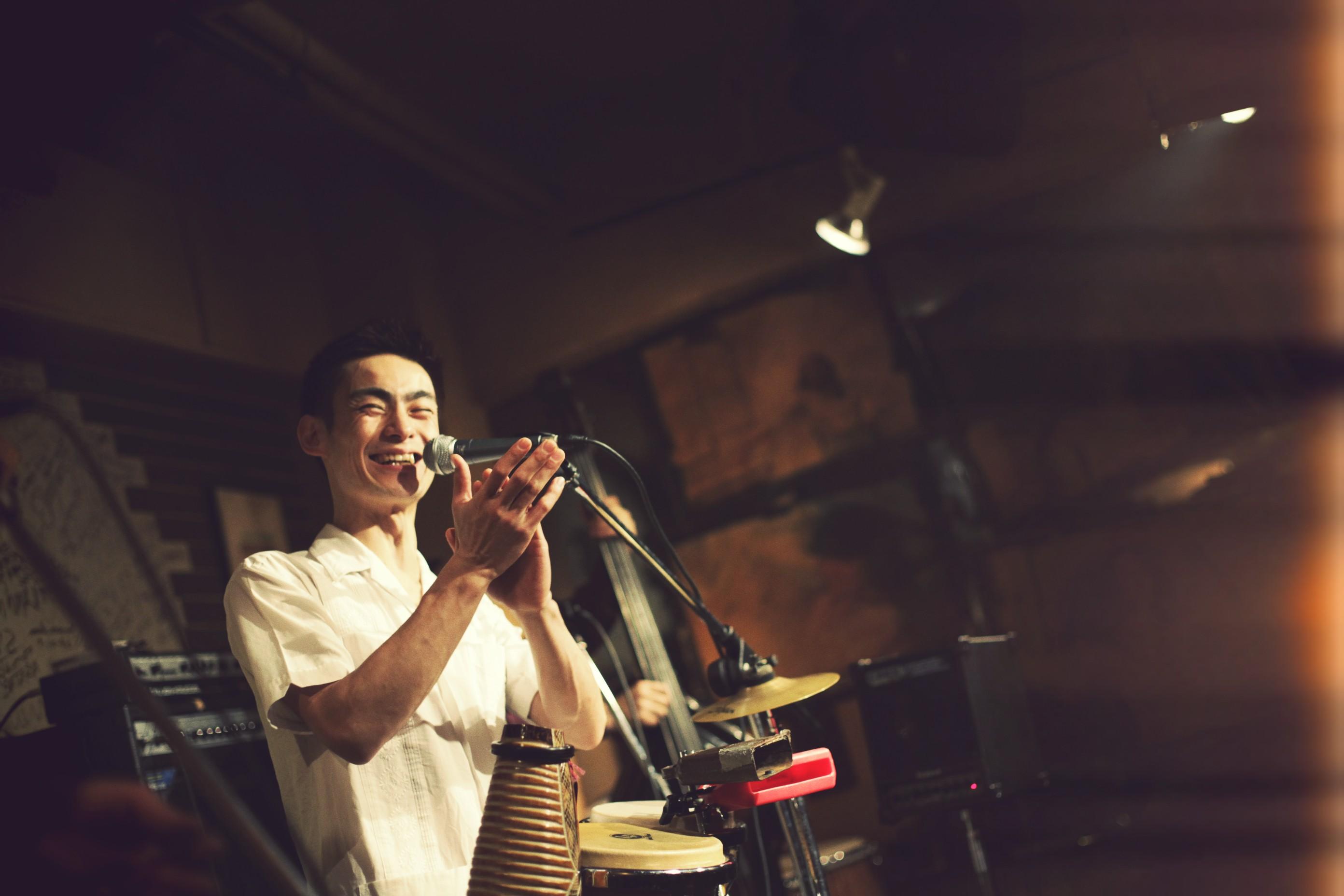 ●11年間に渡りCUBA☆の国際音楽祭へ招聘されている実力派:あのMakoto氏が8/20横浜リゴレットに登場♬_b0032617_13163822.jpg