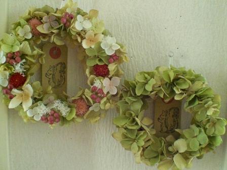 リバーシブル・グリーン紫陽花リース_c0207719_1218103.jpg