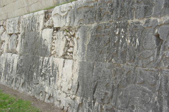 新チチェン・イツァ (8) ジャガーの神殿と 球戯場_c0011649_21255488.jpg