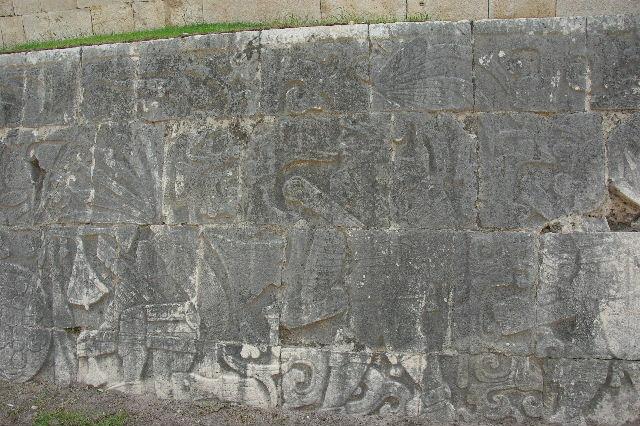 新チチェン・イツァ (8) ジャガーの神殿と 球戯場_c0011649_2128126.jpg