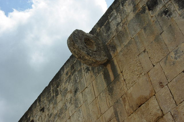 新チチェン・イツァ (8) ジャガーの神殿と 球戯場_c0011649_21294087.jpg