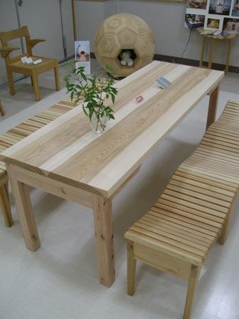 スギの長テーブル_f0206159_813051.jpg