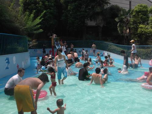 子どもの水遊び好き_e0123104_7264717.jpg