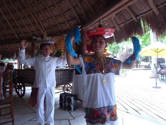 【メキシコ】 マヤ・ランドホテルへ戻り、休憩とランチ_c0011649_2253286.jpg