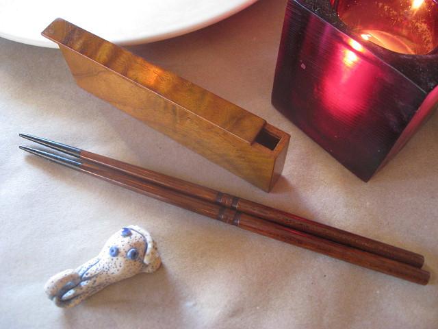 江戸指物師、戸田敏夫さん製作の箸入れにびっくり・・_b0087077_0242078.jpg