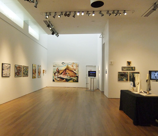 警備員のオジサンも作品展示? さっすがニューヨークなアート展、Insider Art_b0007805_2236829.jpg