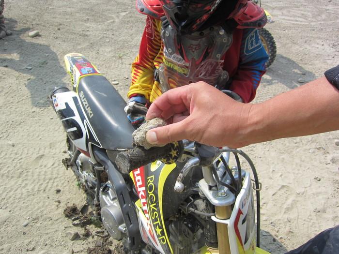 『お兄ちゃんのバイクが…!!!』_a0156942_1713296.jpg
