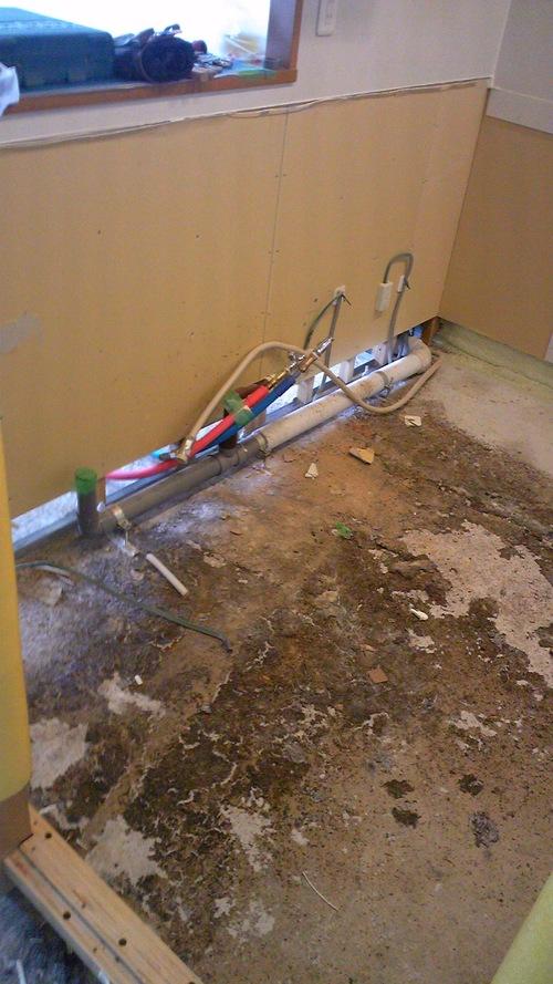 マンション床の全面工事 解体編_e0218555_6585817.jpg