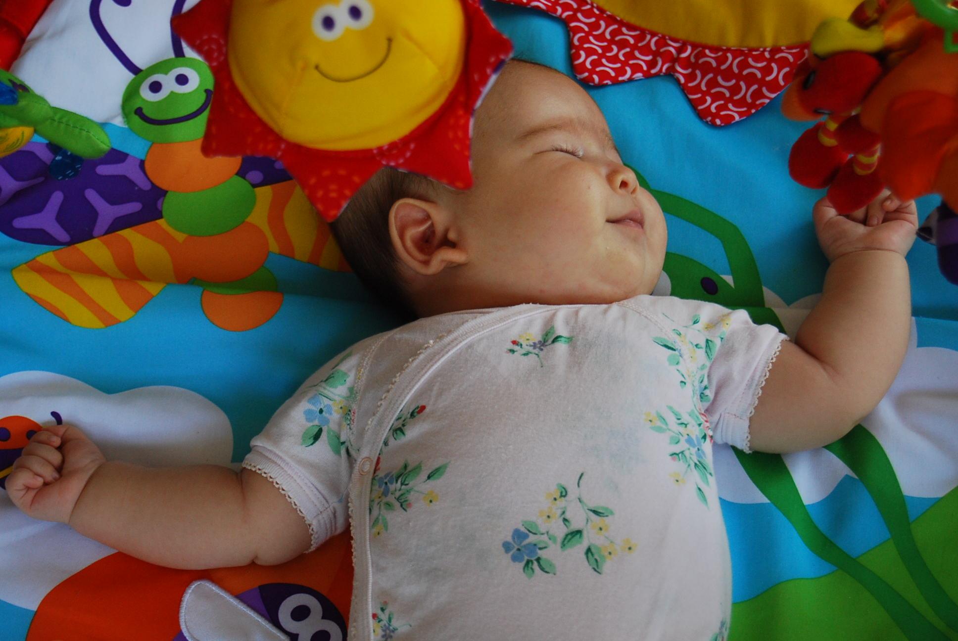 床遊び生活スタート プレイジムとブランケット_e0142956_12292699.jpg