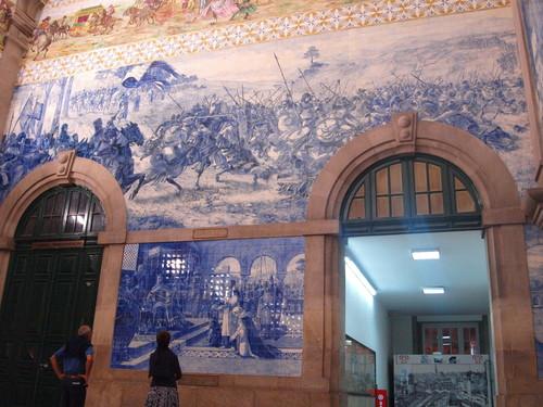 ポルトガル紀行ーーーポルトサンベント駅_c0179785_21423028.jpg
