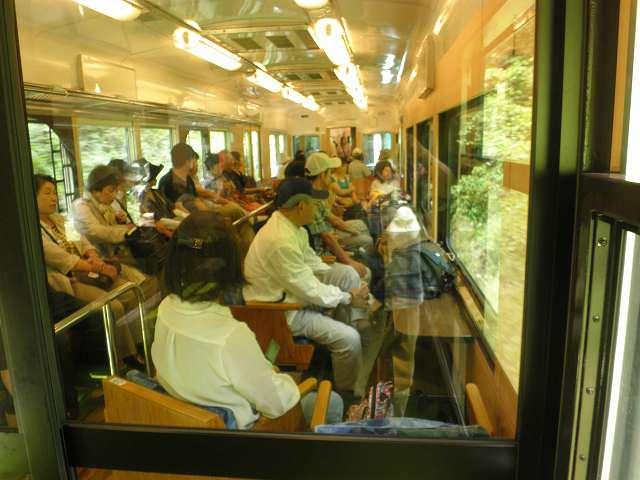 読売日帰りバスツアー、展望列車「天空」で行く奥の院めぐりと花園アジサイ園_c0118393_1642524.jpg