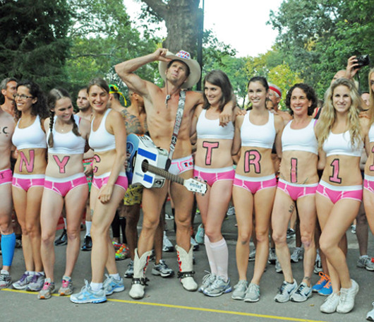 夏のニューヨーク恒例の下着マラソン大会、Jamaica Underwear Run_b0007805_22495612.jpg