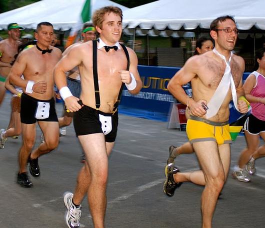 夏のニューヨーク恒例の下着マラソン大会、Jamaica Underwear Run_b0007805_2251132.jpg