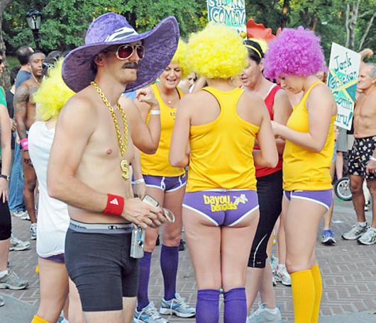 夏のニューヨーク恒例の下着マラソン大会、Jamaica Underwear Run_b0007805_135141.jpg