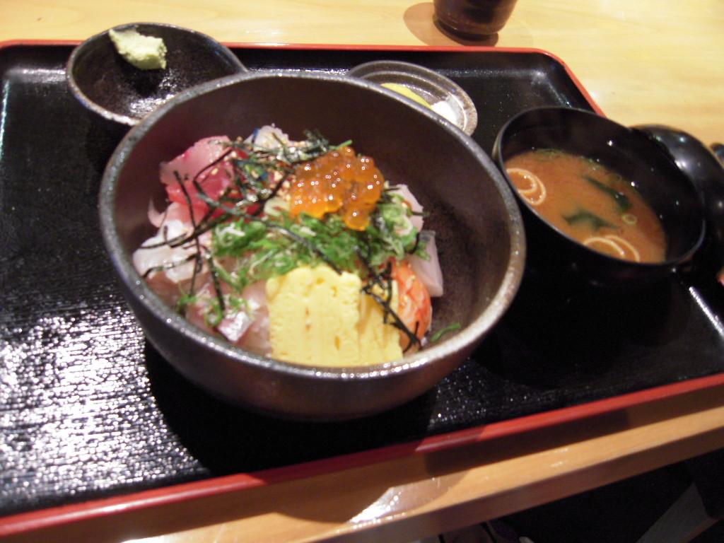 ROKU鮮 武庫之荘店  寿司、魚介料理  (過去ログ編集)_d0083265_1424910.jpg