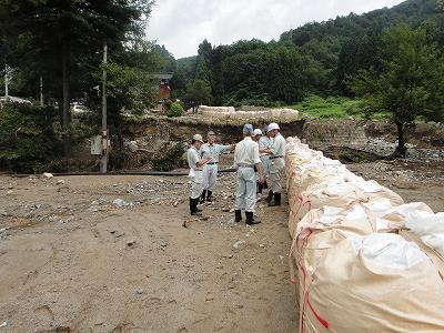 集中豪雨水害地巡回_f0019487_14262056.jpg