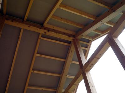 屋根断熱と野地板施工中_a0148909_1501110.jpg