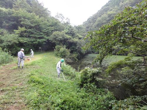 定例活動日:進入路草刈り_c0108460_19491457.jpg