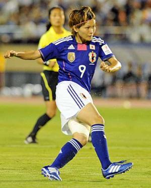 魅惑のなでしこサッカー:なでしこ日本代表vsなでしこリーグ選抜_e0171614_11125875.jpg
