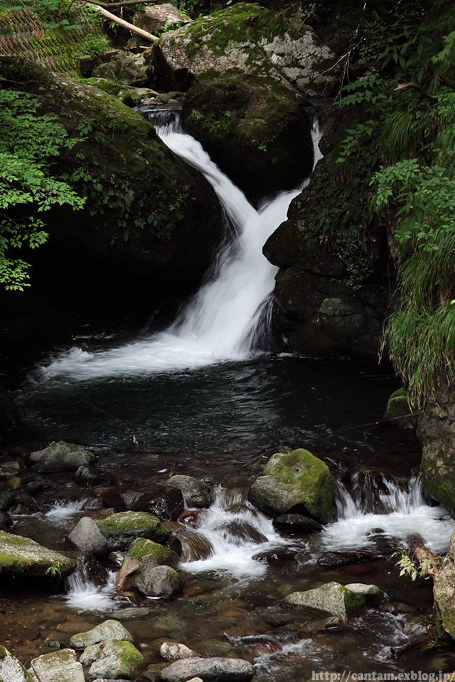 鳥取県 八頭町 小耶馬渓の滝_f0091955_1128105.jpg