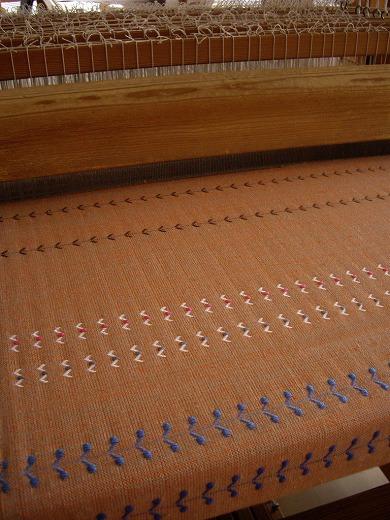 ベースの糸は何色と何色の組み合わせ?_f0088082_10374618.jpg