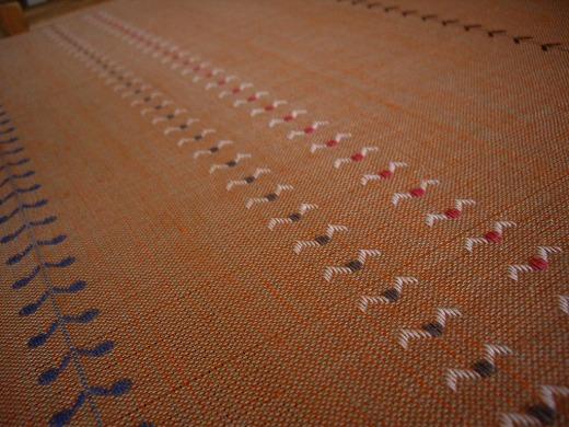 ベースの糸は何色と何色の組み合わせ?_f0088082_10375628.jpg